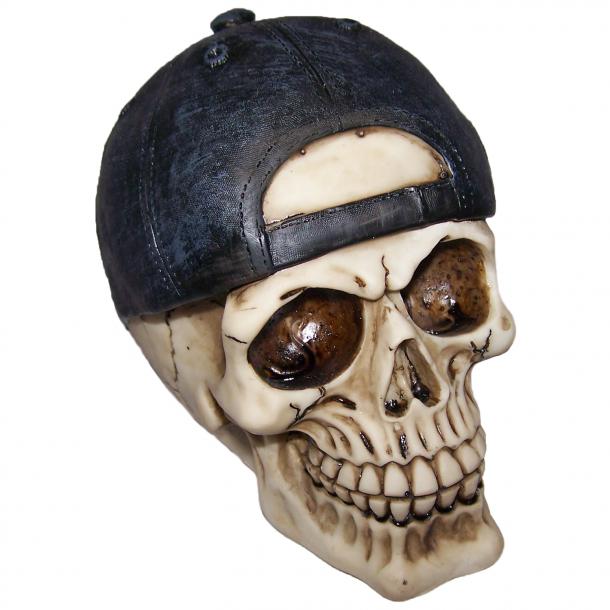 Kranie med Bagudvendt Cap